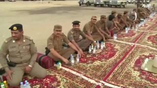 العربية مع جنود سعوديين على الحدود في رمضان