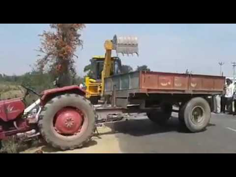 Foolish Indian Peoples recover the Tractor | Must Watch This Funny Video | Live Accident