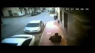 عملية سطو مسلح علي تاجر ذهب في شوارع  مدينة طرابلس 4.2.2014