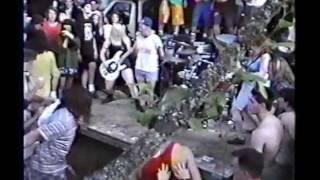 Eddie Vedder Gas Work Park 92 - with audience during 7 years bitch set