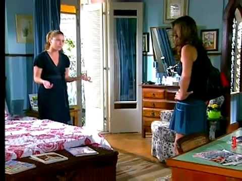 Sete Pecados Clarice dá tapa em Beatriz e a expulsa da sua casa