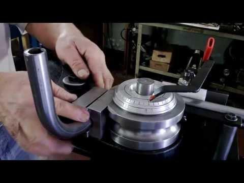 Curvador manual de tubos