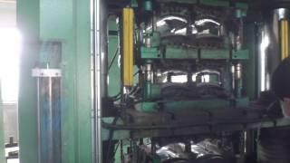 Hot pressing machine for brake linings 鼓式片液压机