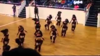 Dancing Dolls / Bring It! Legs Shakin' Choreography