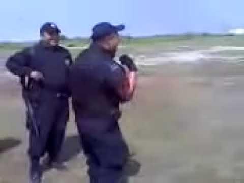 Policia Federal Bailando el Kulikitaka