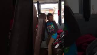 Domb kid twarking and saying shut up