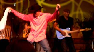 Clay Walker singing Cold Hearted @ Fanclub 2011