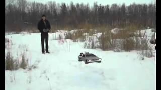 سيارة طائرة صغيرة مستوحاه من افلام الخيال العلمي