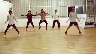 Golmaal Again Title song | Love Atoot (Gabbar) Choreographer | Basic Bollywood Dance
