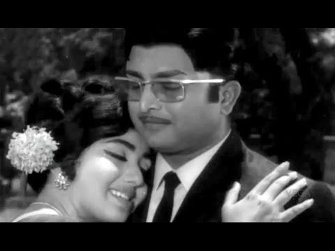 80's Love Song Of A V M Rajan, Vennirade Nirmala || Vundre Vundru Video Song