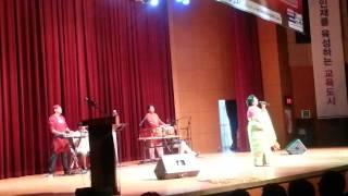 Folk Song (bhaoaia gan) by Nadira Begum; Prem jane na rosik kala chan