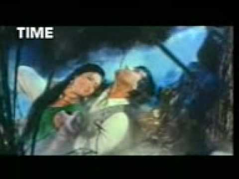 Ayesha Jhulka Wet Rain Song .3gp
