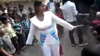 INDIAN DESI VILLAGE GIRL DANCE AT MARRIAGE