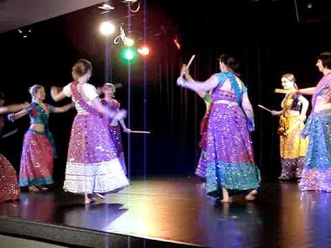 Dola Dola - Bride & Prejudice by begginers students