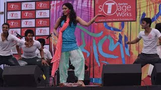 Mainu ishq da lagya rog+balam pichkari.. perform with Apctress Khushali kumar and Singer Tulsi Kumar