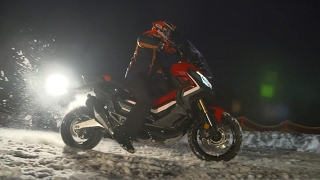 Honda X-ADV: Marc Márquez experiences the X-ADV on the snow