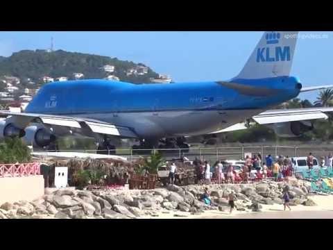 KLM 747 Extreme Jet Blast blowing People away at Maho Beach St. Maarten 2014 01 14