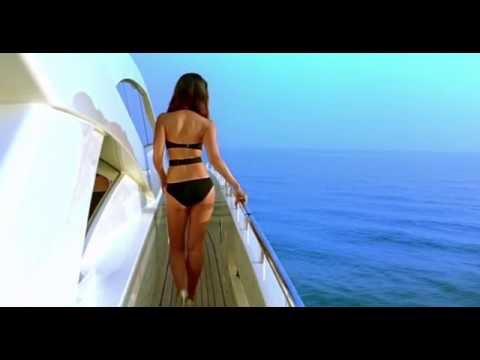 Kareena Kapoor Bikini In Kambakkht Ishq Bollywood Movies