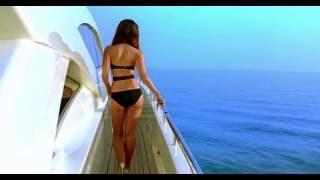 Kareena Kapoor Bikini In Kambakkht Ishq Bollywood Movies