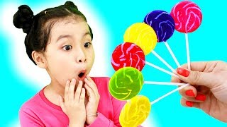 Funny Baby Kids Surprised With Colors Lollipops Little Babies Learn Colors with Finger Family Song