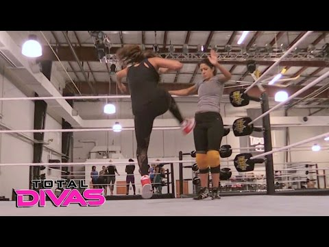 Xxx Mp4 Nikki Bella Trains With Bayley Total Divas May 3 2017 3gp Sex
