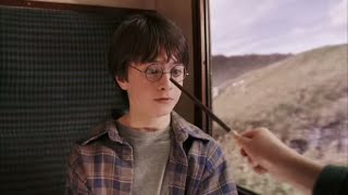 Harry Potter and the Sorcerer's Stone: Harry Potter, Ron & Hermione meet on the Hogwarts Express.