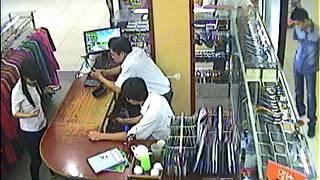 Camera ghi hình trộm đồ tại siêu thị Big C Thăng Long - Hà Nội
