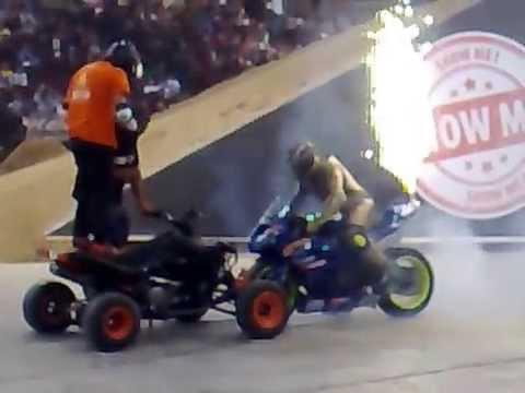 MOTO PETSAS MOBSTER pit bikes George Halaris Dimitris Cocos In Show me 10 13 04 2014