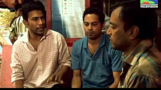 Cops Try To Find Suresh's Son Varun In A Guest House - Episode 142 - 12th August 2012