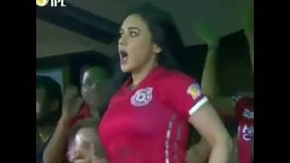 Preity zinta Hot B**BS Shake in IPL10 | Slowmotion Edit\Dont Miss
