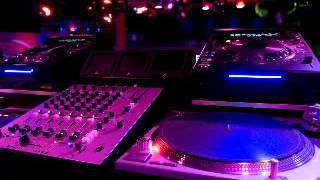Adam Levine & Lil Wayne - Locked Away (Remix)