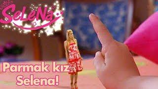 Parmak kız Selena!