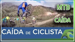 Caída espectacular de ciclista de comunitario Félix en la sierra del Carche