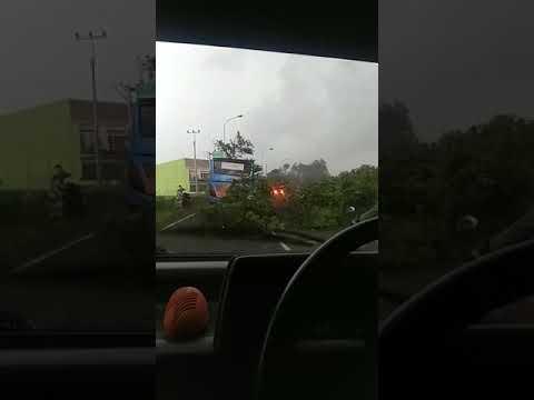 Xxx Mp4 Angin Puting Beliung Di Cianjur 3gp Sex