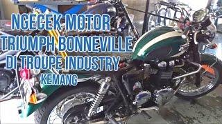 Ngecek Motor Kesayangan Triumph Bonneville di Troupe Industry Kemang