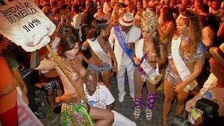 اعتراض به مجاز نبودن زنان به برهنه کردن سینه های خود در سواحل برزیل