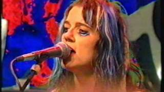 L7 - Pretend We're Dead (Live The Word 1992)