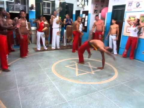 Solo roda Capoeira Regional. Associacao de capoeira Mestre Bimba.