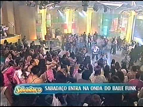 As Leoas e Vivi Fernandez no baile funk do Sabadaço 15 2006