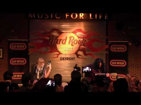 The Pretty Reckless  perform