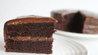 เค้กช็อกโกแลตหน้านิ่ม chocolate cake with soft ganache