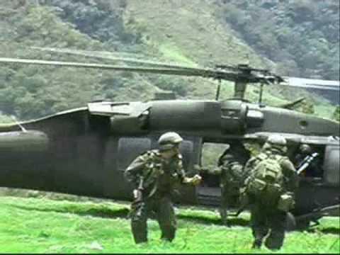 Fuerza Aerea Colombiana y Policia en Toribio Cauca.wmv