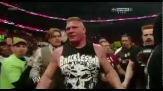 Brock Lesnar LE Rompe La BOCA A John Cena RAW  Lunes/ 9/2012
