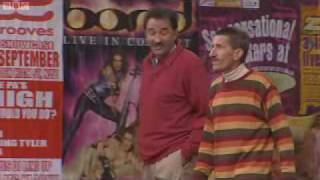 ChuckleVision - Series 14 - Episode 8 - Mission Implausible - Part 1