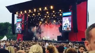 Kim Larsen - De smukke unge mennesker (Live)