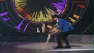 Bigg Boss fame Nora Fatehi escapes bad fall on stage