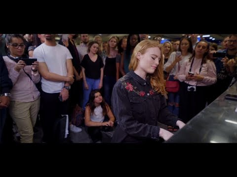 Freya Ridings - Lost Without You (Live at Tottenham Court Road Underground Station)