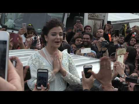 Xxx Mp4 39 Indian Actress AiSHWARYA RAI Causes Mayhem In Melbourne 39 12 8 17 3gp Sex