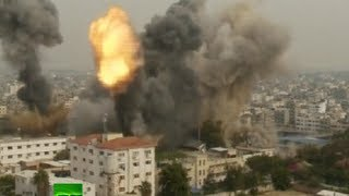 Video: Heavy shelling of Gaza following Tel Aviv bus attack