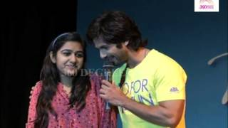 A cute girl Propose Shahid Kapoor on Sophia College in Mumbai-Promotion of PPNH